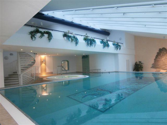 Schwimmbecken im Haus Trafalgar